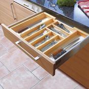 Variálható fiók rendező konyhába