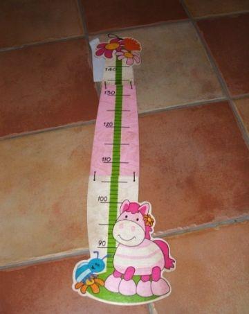 Hess-Spielzeug pónis fa magasságmérő