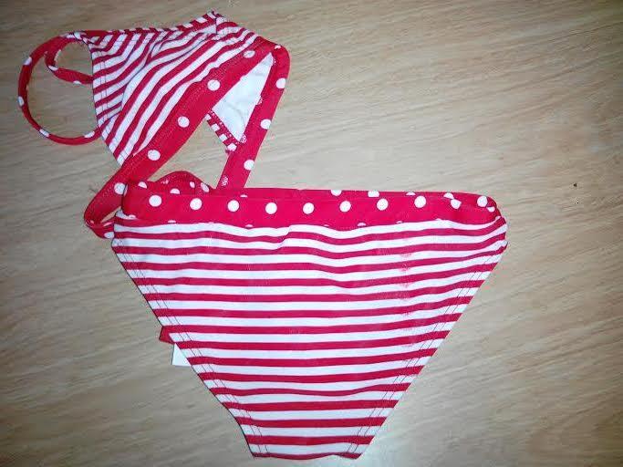 Piros csíkos-pöttyös kétrészes kislány fürdőruha  3a8e75780f