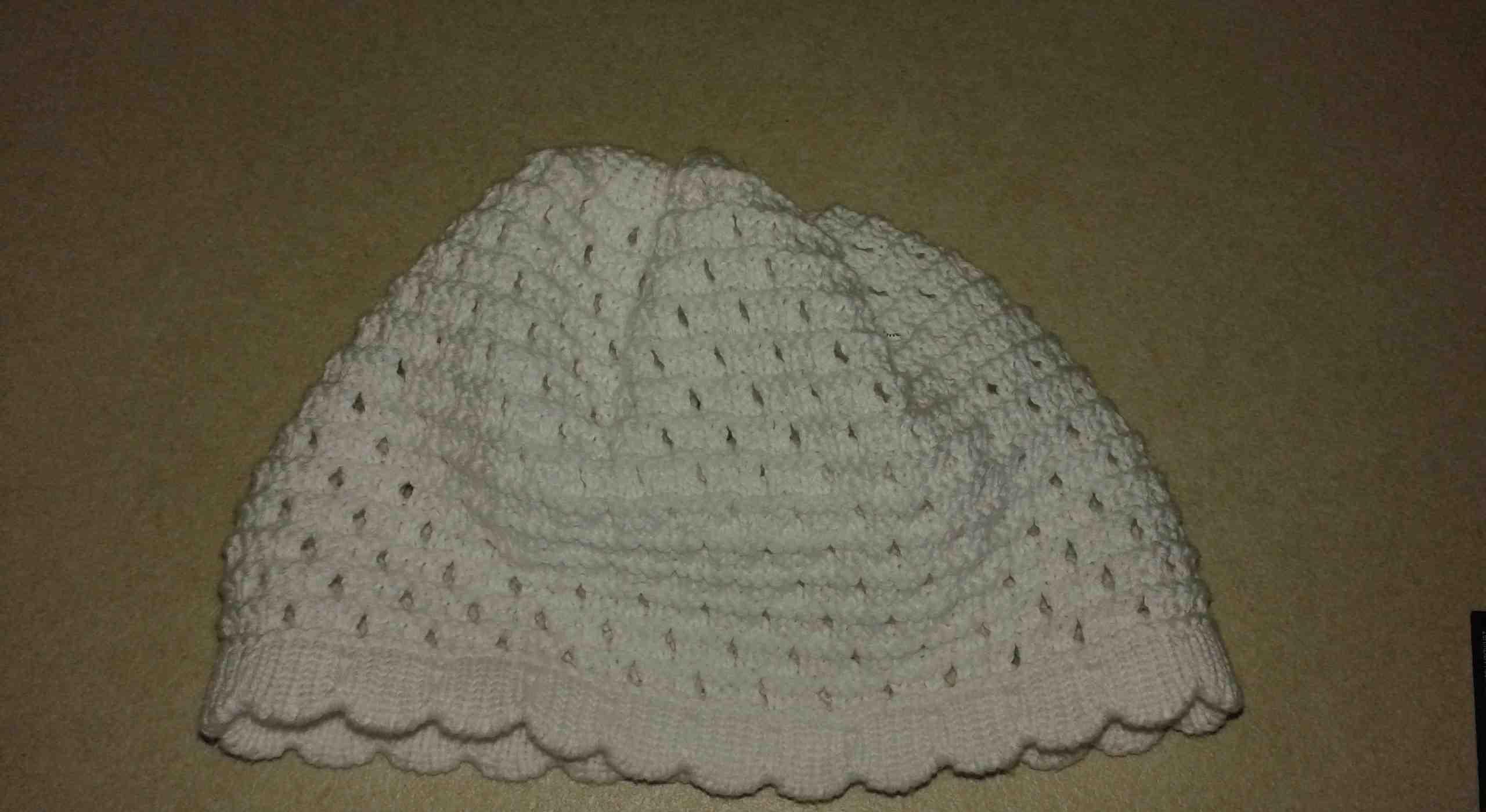 Fehér horgolt baba sapka keresztelőre  732d8135b6