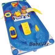 BIG Waterplay Vizes játék gyerekeknek  kofferben  figurával hordozható és összecsukható