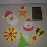 Gyereknyomda arany színű párnával : Karácsony