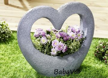 Kerti dekor: Műkő hatású nagy szív virágtartó